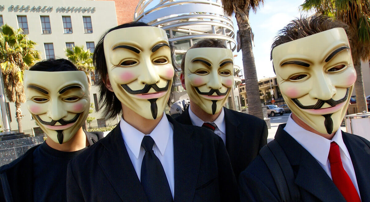 2560px Anonymous at Scientology in Los Angeles 1