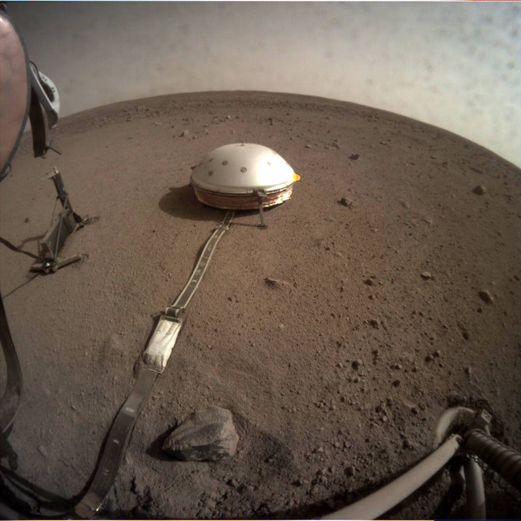 mars.nasa.gov insight raw images surface sol 0100 icc C000M0100 605418072EDR F0000 0463M Image Credit: NASA/JPL-Caltech