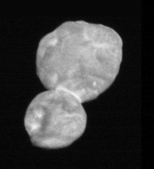 "The Kuiper Belt Object 2014 MU69 — nicknamed ""Ultima Thule"" — appears as a dual-lobe contact binary in this photo captured by NASA's New Horizons spacecraft at a distance of around 18,000 miles (28,000 kilometers). Credit: NASA/SWRI/JHUAPL"